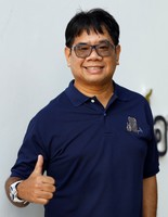 Dr. Thon Thamrongnawasawat
