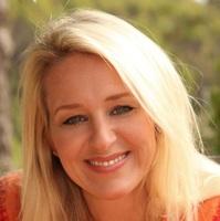 Susan  Asay, CEO & Founder   Apex Social