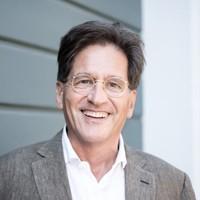 Dr. Peter Buss